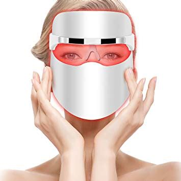 Top 10 Best Light Therapy Masks in 2020 - Highly Recommended