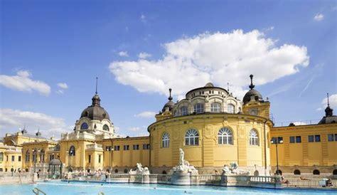 deco chambre d hotel bains et thermes en europe evian budapest istanbul