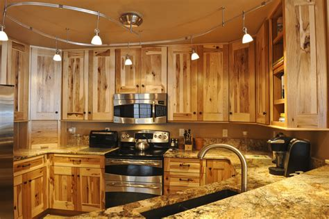 denver hickory kitchen cabinets kitchen classics cabinets denver hickory roselawnlutheran 6537