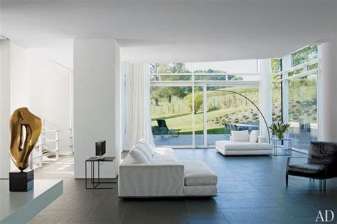 pared  examples  minimalist living
