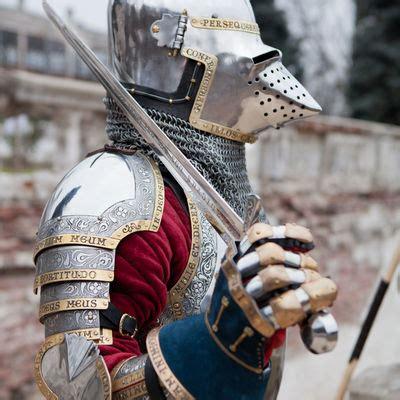 xivth century italian houndskull bascinet  kings