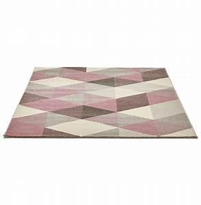 Tapis 160x230 Pas Cher : tapis design grafik grand tapis de salon aux tons roses ~ Teatrodelosmanantiales.com Idées de Décoration
