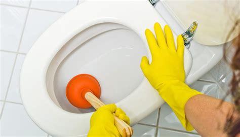 Verstopfte Toilette Hausmittel by Toilette Verstopft Diese 5 Hausmittel L 246 Sen Das Problem