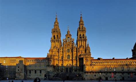 tempat wiasta kota  spanyol  terkenal memiliki