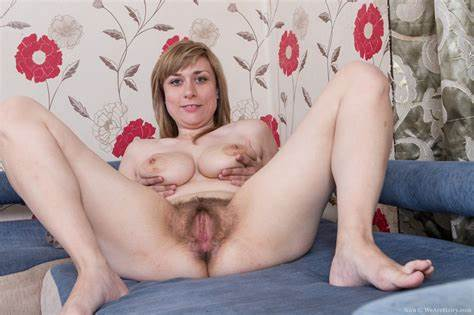 Freshie With Fat Jugs Stretches Her Amazing Snatch