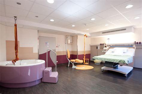 la salle d accouchement physiologique de la clinique sarrus teinturiers f 234 te ses 1 an le