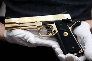 Sexy gold and black gun   Gangsta $$   Guns, Hand guns ...