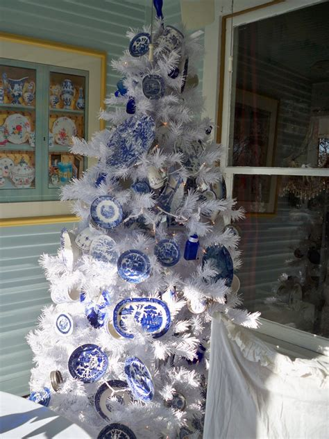 dreams and decor blue white christmas