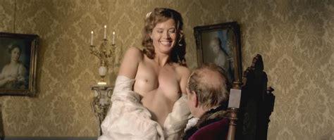 aurélie meriel nuda ~30 anni in admiral