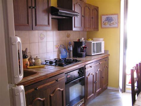 changer les portes de cuisine changer ses portes de placard de cuisine stunning portes