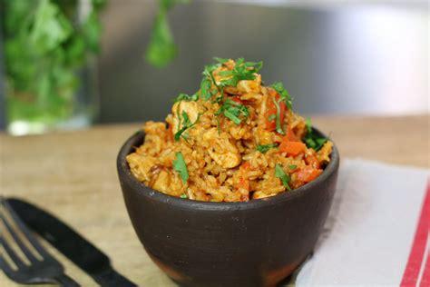 cuisine avec du riz riz au poulet ou quot one pot chicken rice quot hervecuisine com