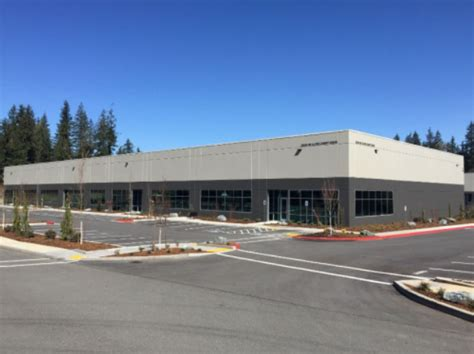 Spacex Redmond Office by Spacex Adds A Big New Lab To Satellite Operation In