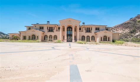 million mega mansion  calabasas california homes
