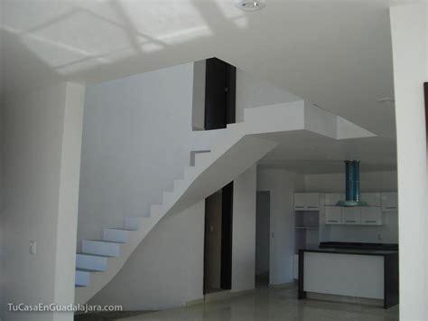 escaleras de de casas construidas en guadalajara zapopan