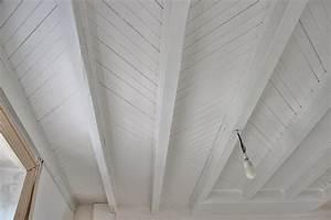 peindre du lambris bois en blanc evtod With peindre des poutres au plafond