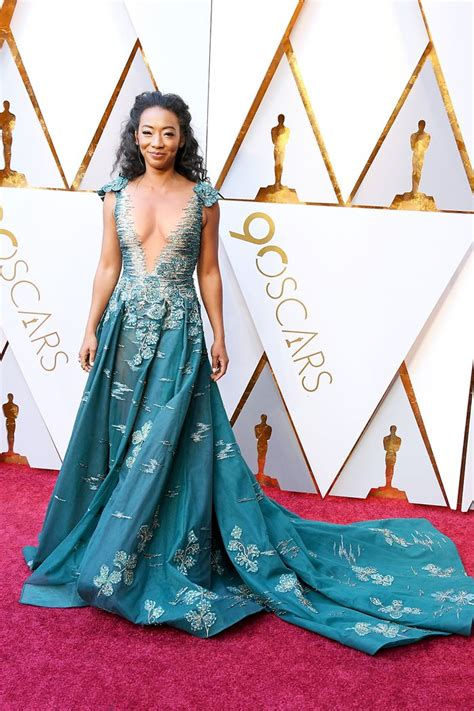 Every Oscars Red Carpet Look That Made Say Yes Who