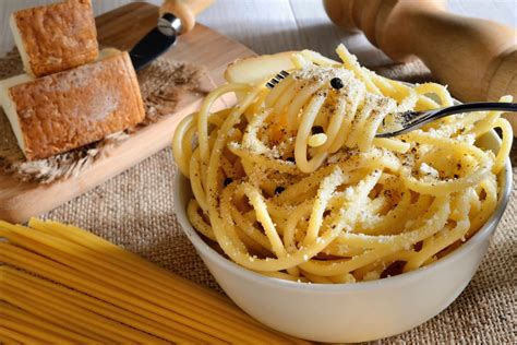 Ricetta Spaghetti Cacio E Pepe  Non Sprecare