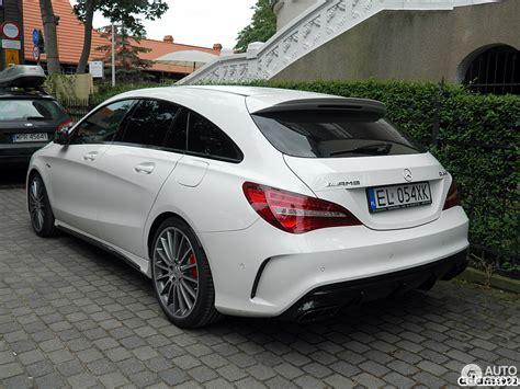 Inside is where the cla 45 amg really struts its stuff. Mercedes-AMG CLA 45 Shooting Brake X117 2017 - 30 juli 2016 - Autogespot