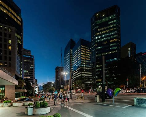 Avenida Paulista - Vikipedi