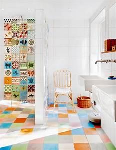 salle de bain coloree 55 meubles carrelage et peinture With motif carrelage salle de bain