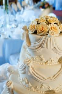 wedding cake ornament wedding cake decorating ideas easy wedding cake decorating ideas