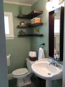 traditional full bathroom with wicker baskets crown molding in traverse city mi zillow digs