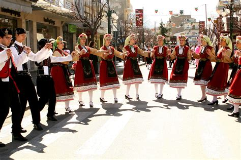 modern day culture customs and traditions in greece discover greece