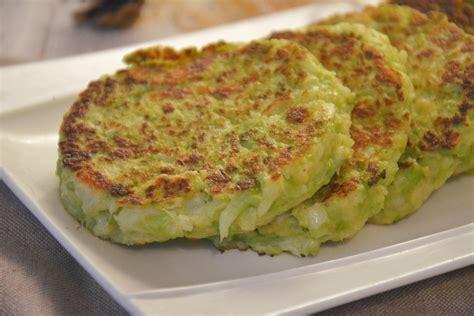 comment cuisiner un choux vert galettes de chou romanesco au fil du thym