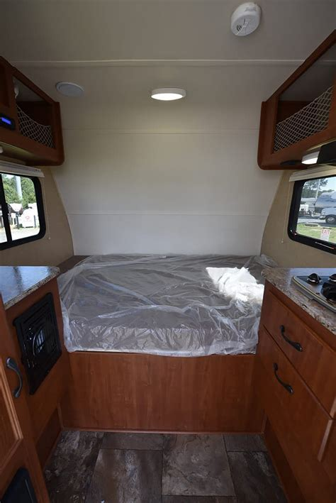 2016 Rayzr FB Review   Truck Camper Magazine