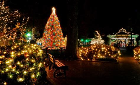 See  Charming Tennessee  Ee  Christmas Ee   Towns On This Road Trip