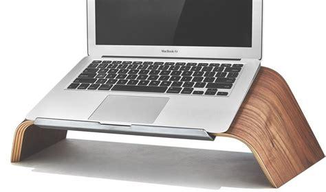 macbook bureau grovemade maakt sjieke macbook houder voor elk bureau