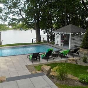 Amnagement paysager avec piscine creuse perfect piscine for Amazing photos amenagement jardin paysager 2 e4 amenagement paysager projet de particulier