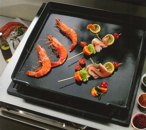 cuisine sur plancha plancha cuisson table de cuisine