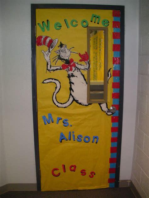 dr seuss door decorating ideas pixie theme thursday