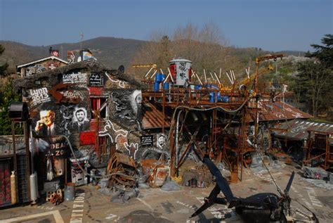 la maison du chaos lyon site officiel visite de la demeure du chaos dans la banlieue ouest de lyon