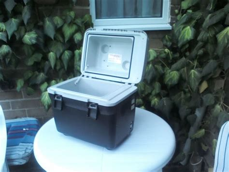 halfords mobicool  cool box heater  ct