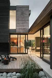 Cour De Maison : une cour int rieure faisant partie de cette maison ultra moderne seattle ~ Melissatoandfro.com Idées de Décoration