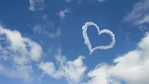 Heart Shaped Cloud Wallpaper