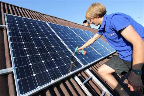 Портативная солнечная электростанция . своими руками . освещение в походе youtube