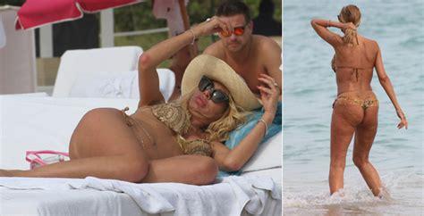 Chiappini Bagni Valeria Marini Sirena A Miami Ma 232 Tutta Cellulite Gossip
