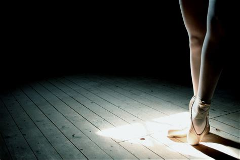 Lesia trubat's ballet shoes electronically trace the movements of dancers. Pointe Shoes Wallpaper - WallpaperSafari