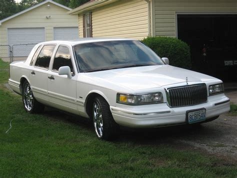 Town Car by 1996 Lincoln Town Car Information And Photos Zombiedrive