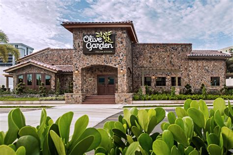 olive garden news olive garden reports 8m in sales opens 2nd restaurant