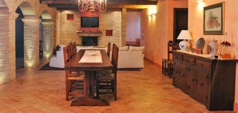 Consigli per la casa e l arredamento: Taverna rustica