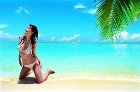 beach bikini beautiful women psd material