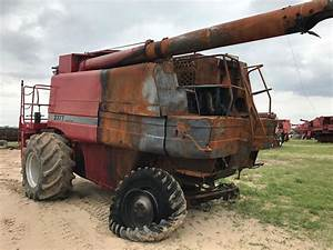 International  Caseih U00ae Combine 2377