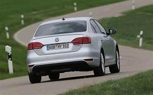 Volkswagen Jetta Hybride : volkswagen jetta hybrid l essai d taill ~ Medecine-chirurgie-esthetiques.com Avis de Voitures