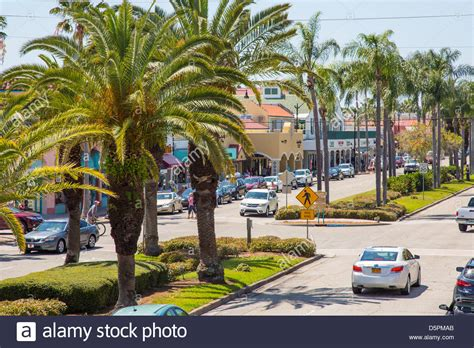 Apartments Downtown Venice Fl by Venice Avenue In Downtown Shopping Tourist Area Of Venice