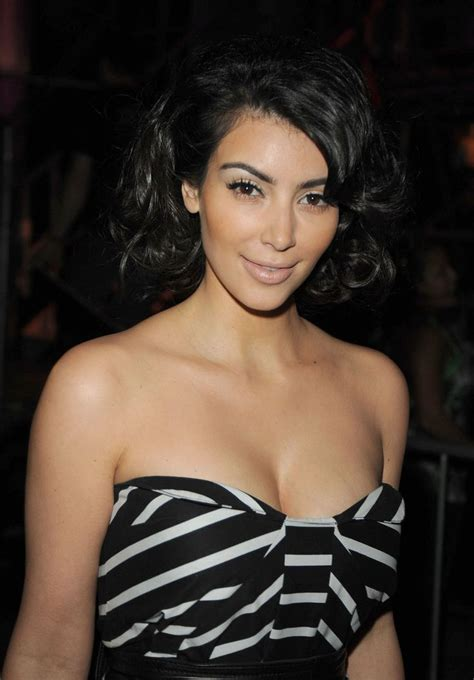 short hair kim kardashian looks hair short