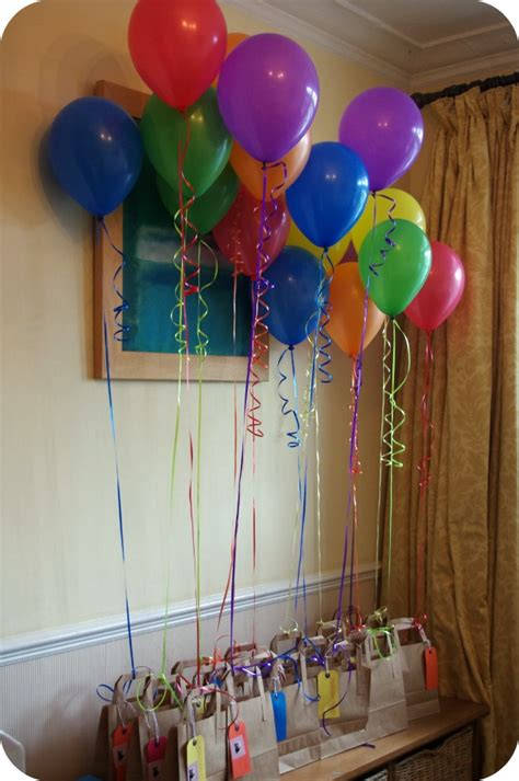 Decorating Ideas With Balloons by Simple Balloon Decoration Ideas For Birthday At Home
